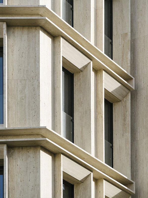 Execution of stone facade 1
