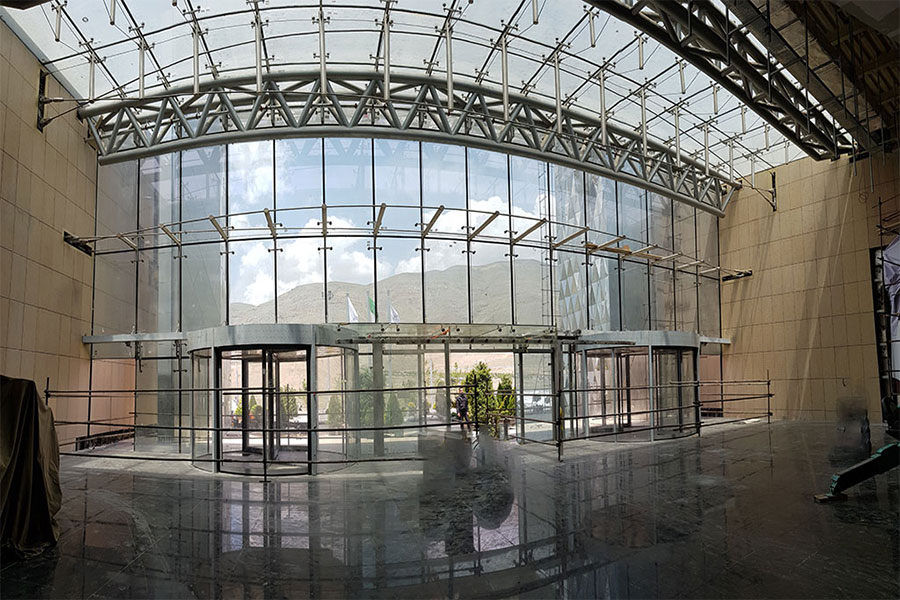 نمای شیشهای ویلا