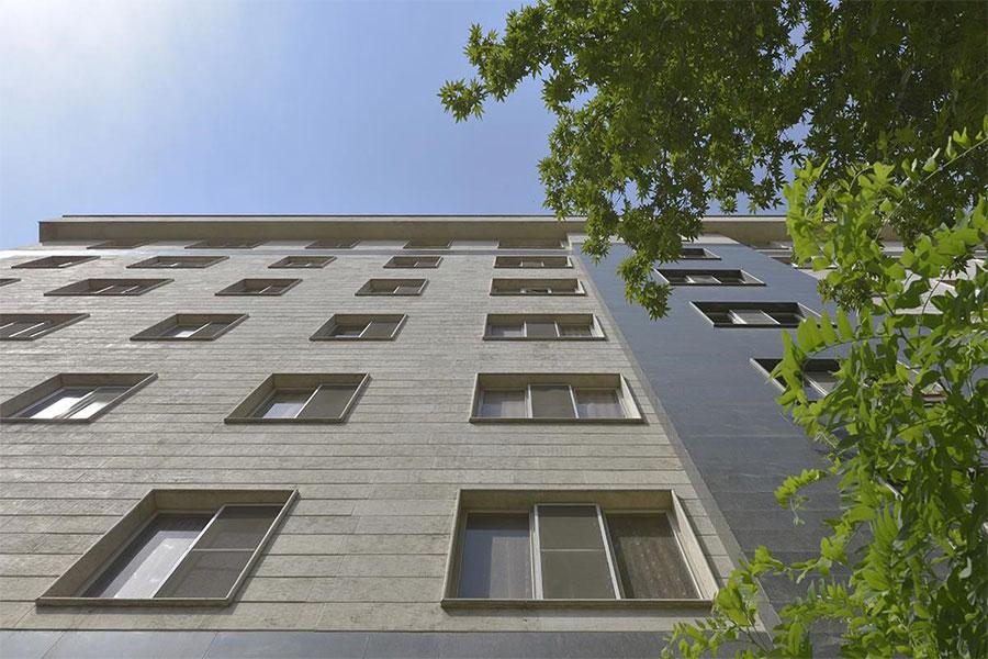 نمای سنگ ساختمان دو طبقه