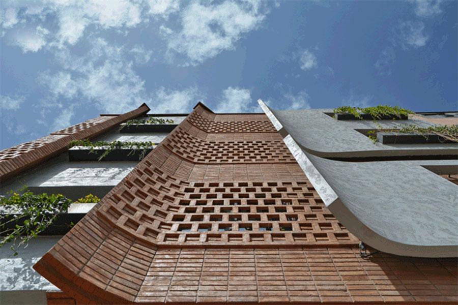 نمای مدرن ساختمان دو طبقه