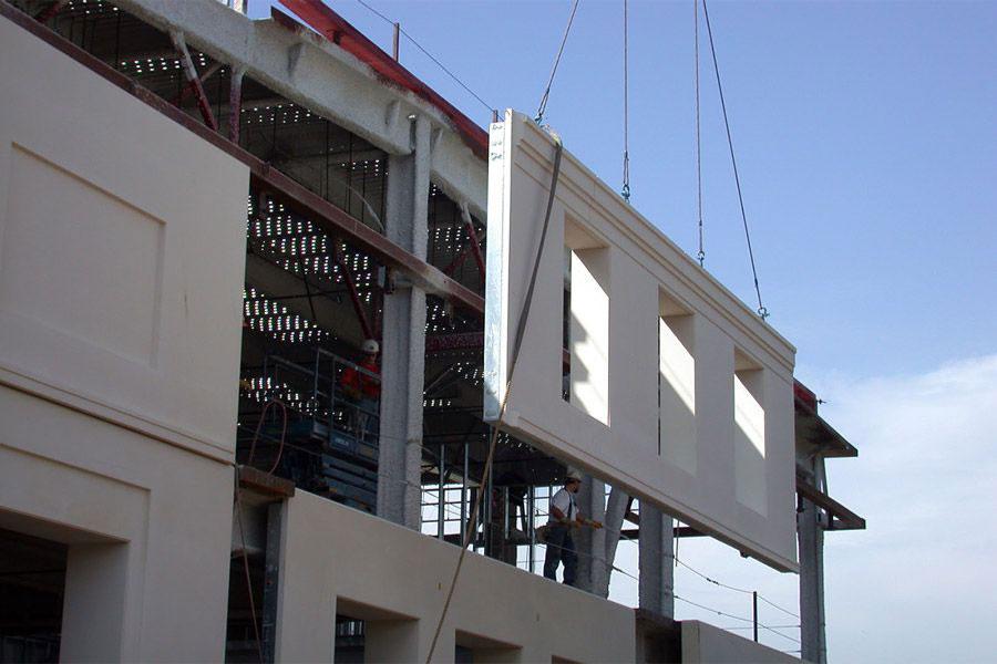 Lightweight prefabricated facade 1