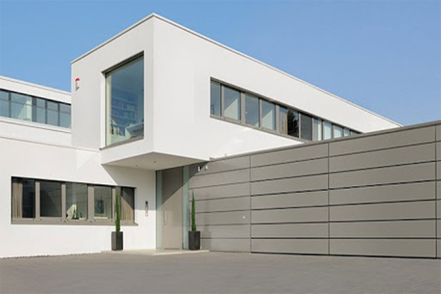 Disadvantages of monolithic facade