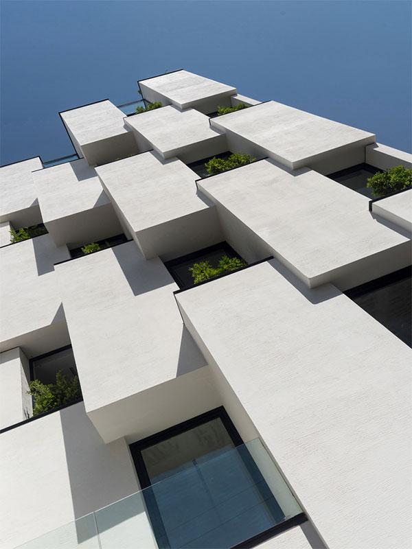 Monolith facade