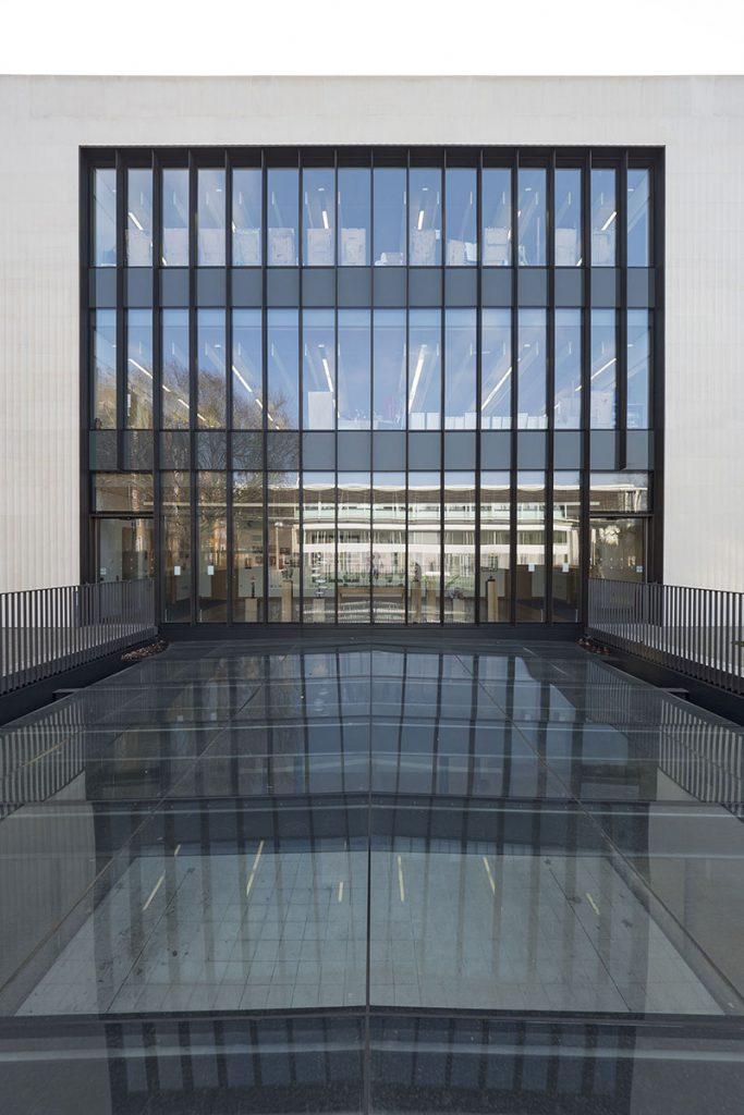 frameless curtain company facade